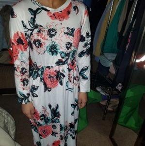 Floral loose fitting pocket long dress